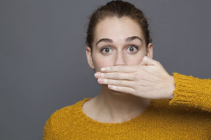 What causes bad breath & how to fight it
